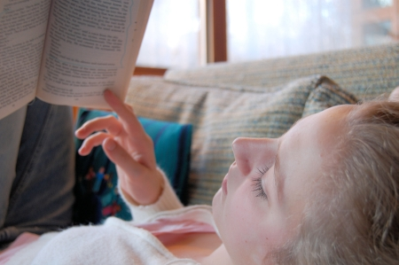 tjej som läser